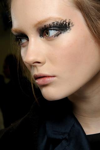 Le smoky eyes du défilé Chanel automne/hiver 2010
