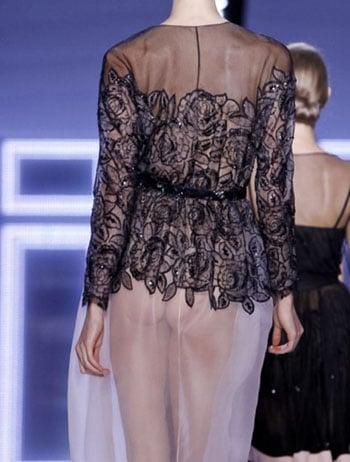 Karlie Kloss montre ses fesses nues au défilé Dior !