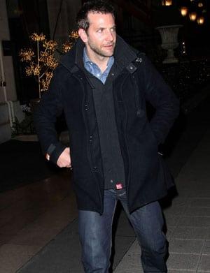 Le beau Bradley Cooper est à Paris !