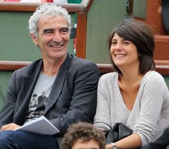 Estelle Denis et Raymond Domenech en amoureux à Roland Garros
