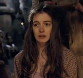 Anne Hathaway se fait couper les cheveux dans la bande annonce des Misérables