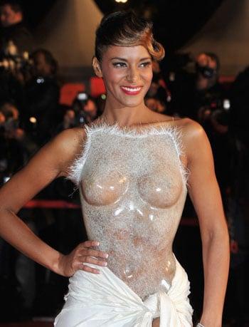 Shy'm choque aux NRJ Music Awards en dévoilant sa poitrine sous sa robe