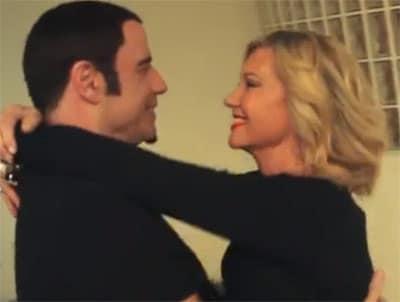 Olivia Newton-John et John Travolta se retrouvent en chanson
