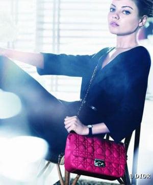 Mila Kunis nouvelle égérie des sacs Dior