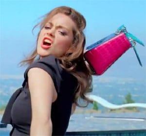 Marion Cotillard déjantée pour le nouveau sac Lady Dior