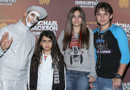 Les enfants de Michael Jackson venus supporter le Cirque du soleil