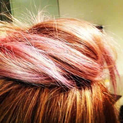 Lauren Conrad dévoile son chignon aux mèches roses