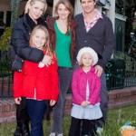 Jennie Garth en famille avec son mari et ses trois filles à Disneyland