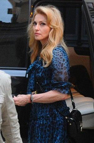 Madonna voit la vie en bleu à Rome