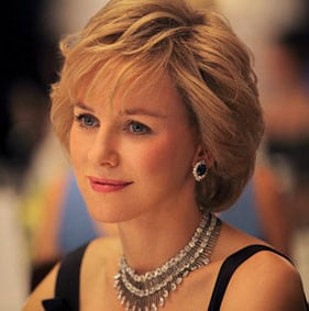 Naomi Watts bluffante en Lady Diana