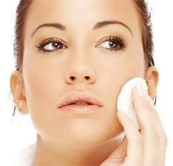 Démaquillage : Tout les secrets pour une peau saine