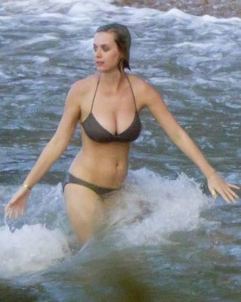 Katy Perry en bikini à Hawaii pour les fêtes de fin d'année