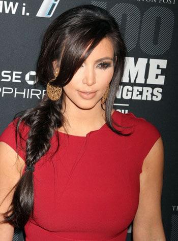 La tresse en épi stylée de Kim Kardashian