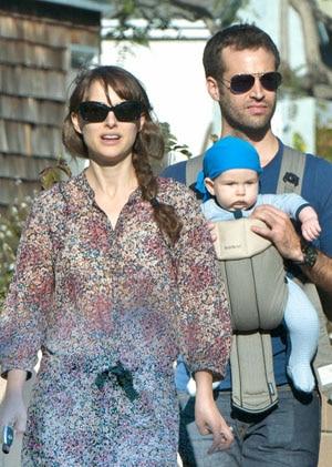 Natalie Portman et Benjamin Millepied en ballade avec Aleph