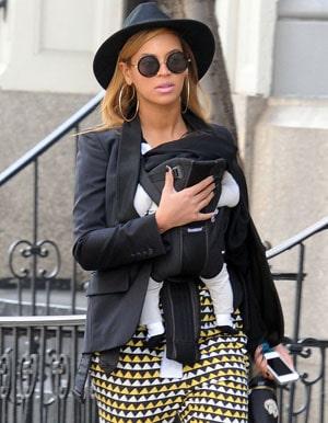 Beyoncé en promenade avec sa petite Blue Ivy