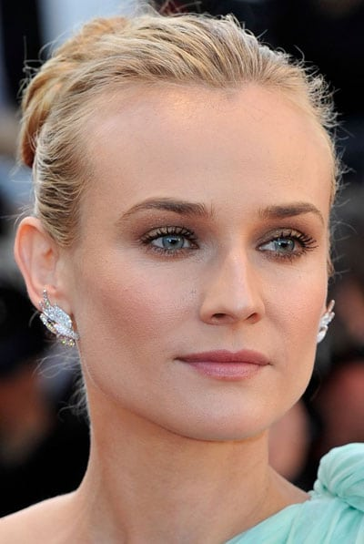 le superbe smoky eyes marron de diane kruger au festival de cannes 2012. Black Bedroom Furniture Sets. Home Design Ideas