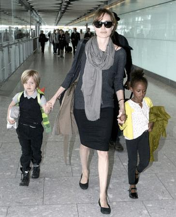 Angelina Jolie Zahara & Shiloh