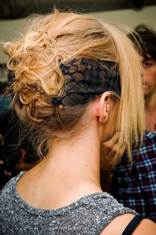 Chignon original Chanel haute couture automne 2011