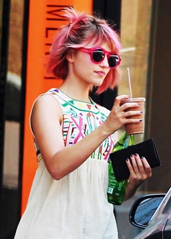 Dianna Agron cheveux roses