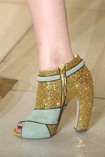 Tendance chaussures automne hiver 2011 : Le doré en première ligne