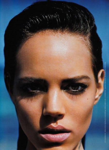 Le maquillage d'été de Freja Beha dans le Vogue Japon