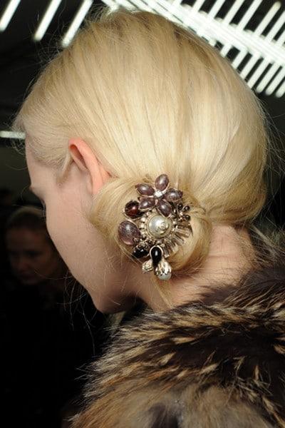 Ginta Lapina chignon Chanel automne 2011