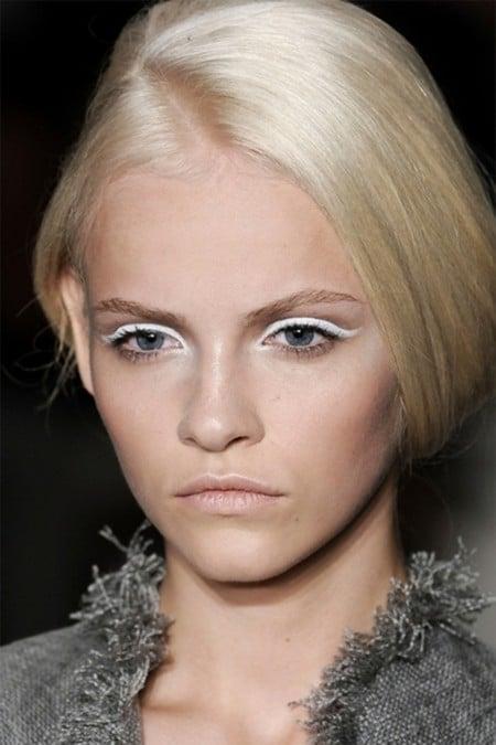 Ginta Lapina eye liner blanc