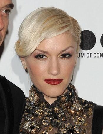 Gwen Stefani chignon torsade