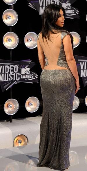 Kim-Kardashian-MTV-VMA-2011.