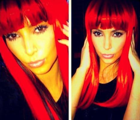 Kim Kardashian cheveux rouges