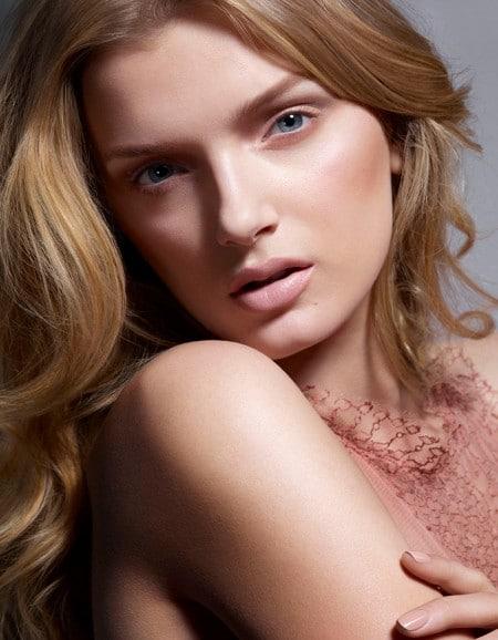 Cinq maquillages d'été tendances par Lily Donaldson