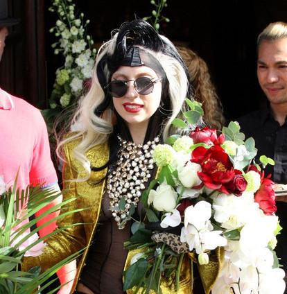 "Lady Gaga sort son troisième album intitulé ""Born this way"""