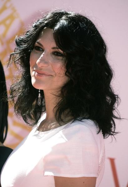 Laura Pausini annule ses concerts suite à un drame