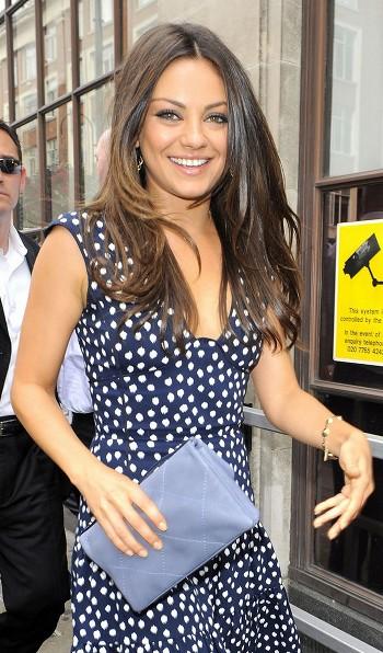 Mila Kunis ne veut pas de chirurgie esthétique