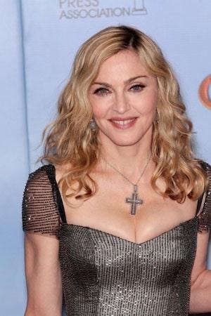 Madonna craque sur scène en chantant like a virgin