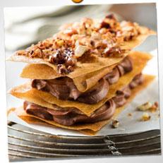 Mille-feuilles croustillants au chocolat et noix de pecan