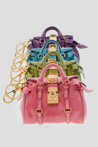 Miu Miu lance ses mini sacs flashy !