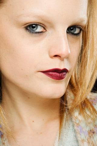 Lèvres bordeaux et khôl noir au défilé Missoni automne 2011
