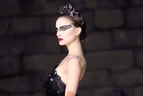 http://www.exceptionn-elle.fr/wp-content/upLoads/Natalie-Portman-Black-Swan.jpg