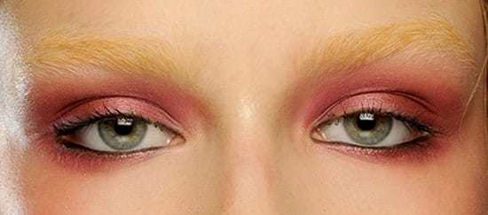 Nina Ricci maquillage rose et rouge