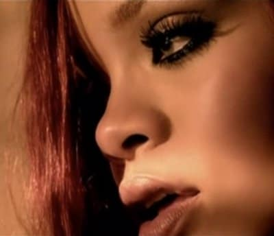 """Le nouveau clip de Rihanna """"Man down"""" dévoilé"""