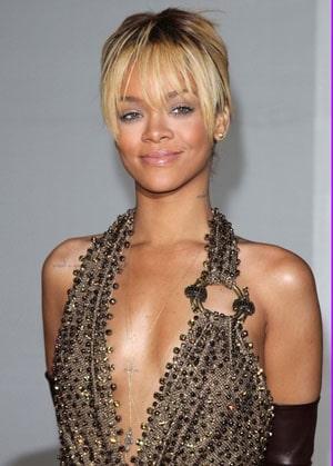 Rihanna a insulté la petite amie de Chris Brown et frôle le racisme