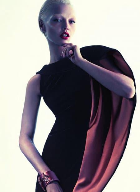 Sacha Pivovarova pour la campagne publicitaire Giorgio Armani automne 2011