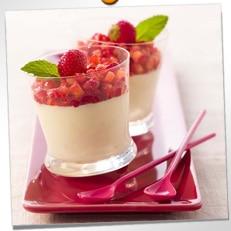 Verrines de mousse au chocolat blanc et fraises