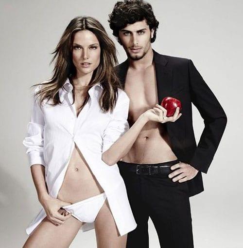 Alessandra Ambrosio et Jesus Luz pour la campagne Temptation de Chenson