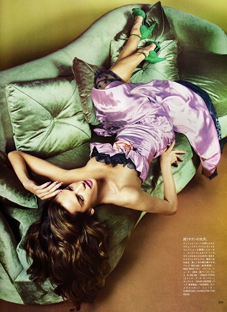 Alessandra Ambrosio Vogue Japon octobre 2010