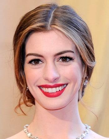 Anne Hathaway aux Oscars 2011