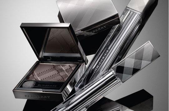 La nouvelle ligne de maquillage Burberry : produits, détail et photos
