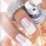 La pose de faux ongles, gel UV ou résine ?