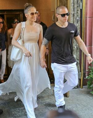 Jennifer Lopez fête ses 43 ans avec son boyfriend Casper Smart